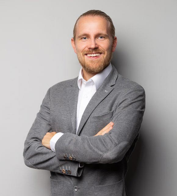 Sales Experts Christian Czepeczauer